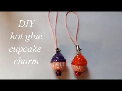 DIY hot glue cupcake charm