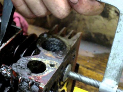 5 Horsepower Briggs Restoration Project and How to unseize pistons and valves
