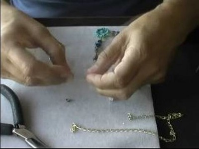How to Make Jewelry : How to Make Wire Jewelry Necklaces