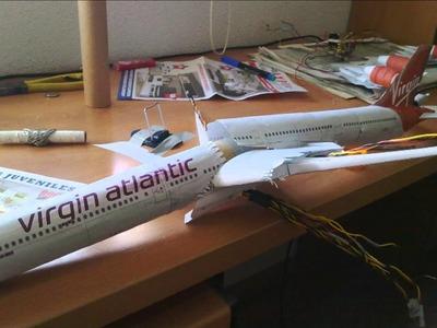 Lighting Airbus 340-600 Paper Model