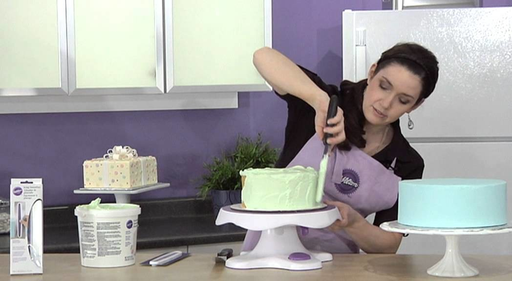 How to Ice a Cake using the Icing Smoother by Wilton