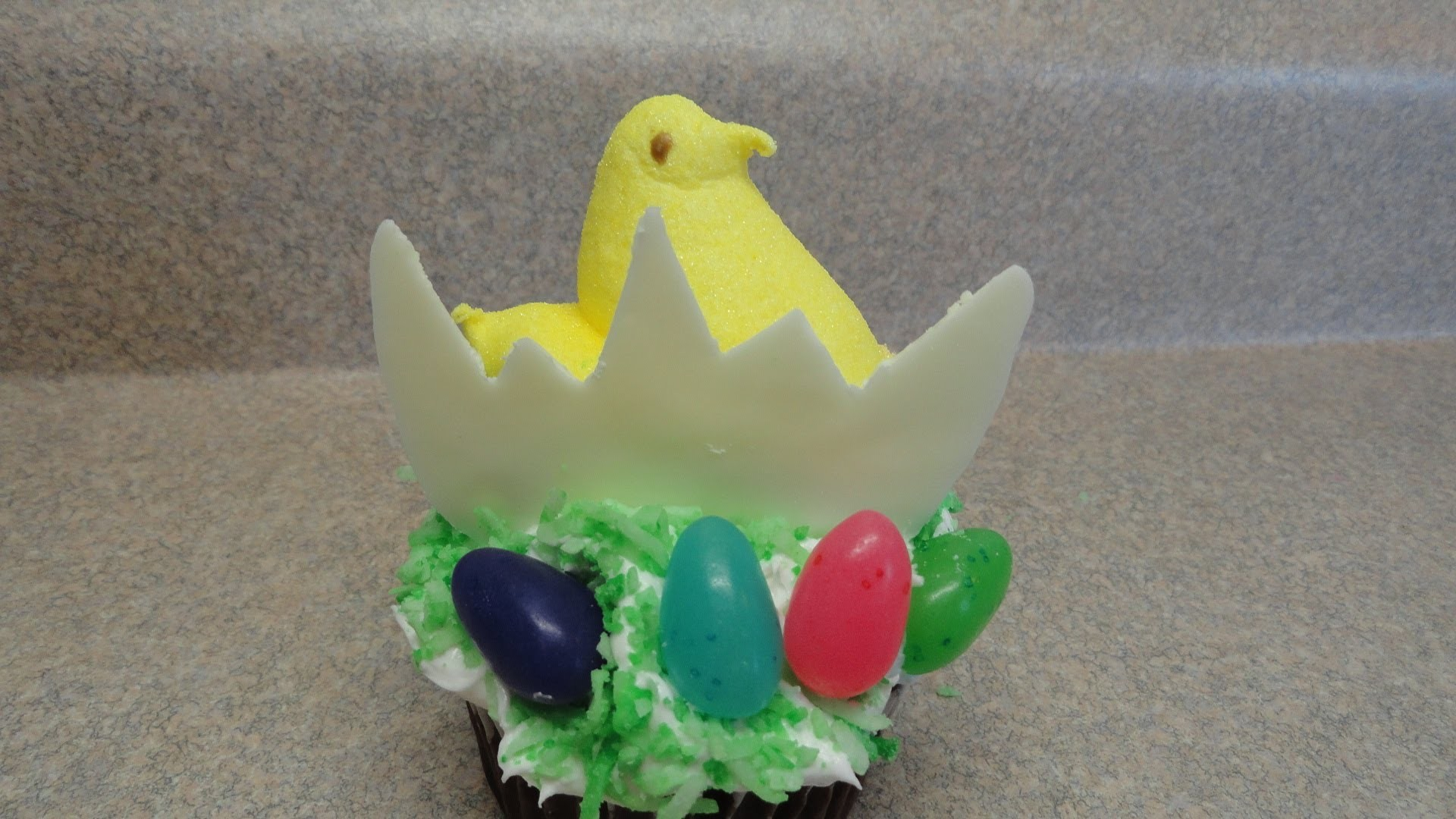 Decorating Cupcakes #92:  Easter Chick and Egg