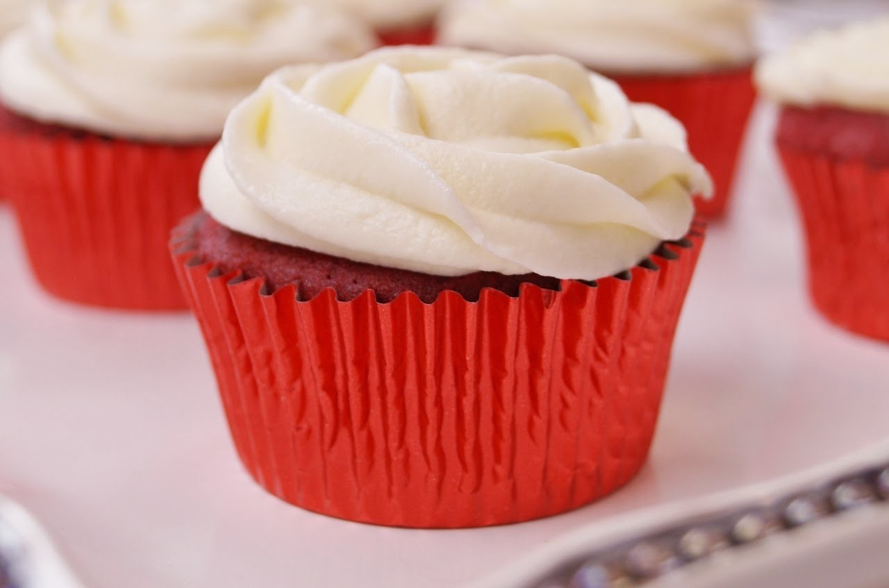 How To Make Red Velvet Cupcakes w.Cream Cheese Frosting:Red Velvet Cupcakes Recipe:Di Kometa #33