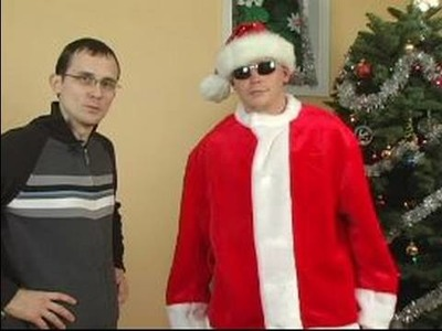 How to Make a Santa Claus Costume : How to be a Cool Santa Claus