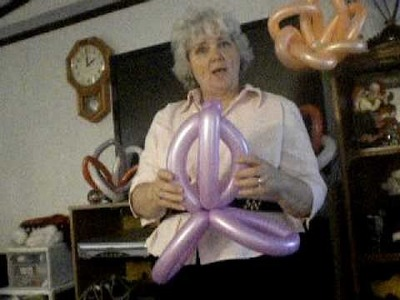 Tulip balloon how to 002