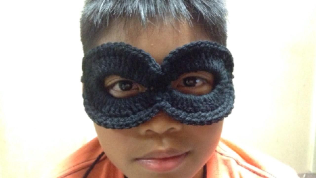 Crochet an Easy Superhero Mask - DIY Crafts - Guidecentral