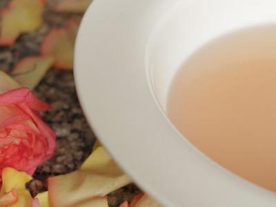 DIY Lavendar Infused Rose Water Spritz for Hair & Body   JASMINE ROSE