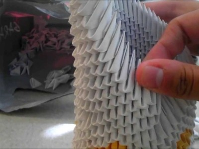 3D Origami: Asymmetrical Vase.