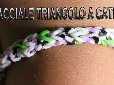 Braccialetto triangolo a catena con elastici. Facile.