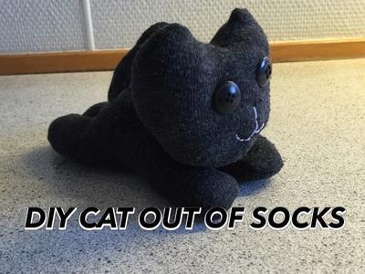 DIY CAT OUT OF SOCKS