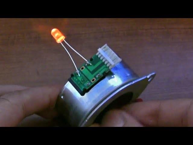 Make The World's Simplest Hand Cranked LED Flashlight