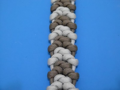 How to make the Snake Bite Paracord Bracelet by Gian Oneil