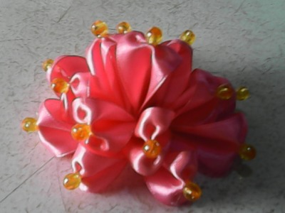 DIY-handmade-kreasi pita satin menjadi bunga-creations of satin ribbon into a flower