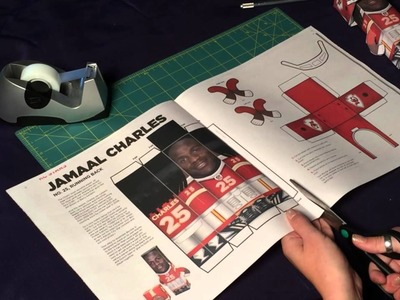 How to make a paper Kansas City Chiefs action figure #paperchiefs