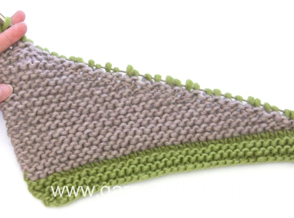 DROPS Knitting Tutorial: How to work flounce in the scarf in DROPS 165-25