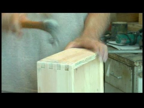 How to Make a Finger Joint Box : Sanding & Staining a Finger Joint Box