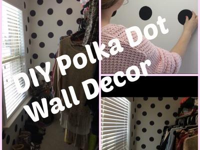 DIY POLKA DOT PATTERN WALL DECOR