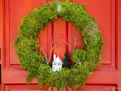 How to DIY a Beautiful Moss Wreath for Thanksgiving