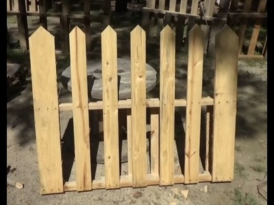 How To Make A Simple Pallet Wood Picket Fence