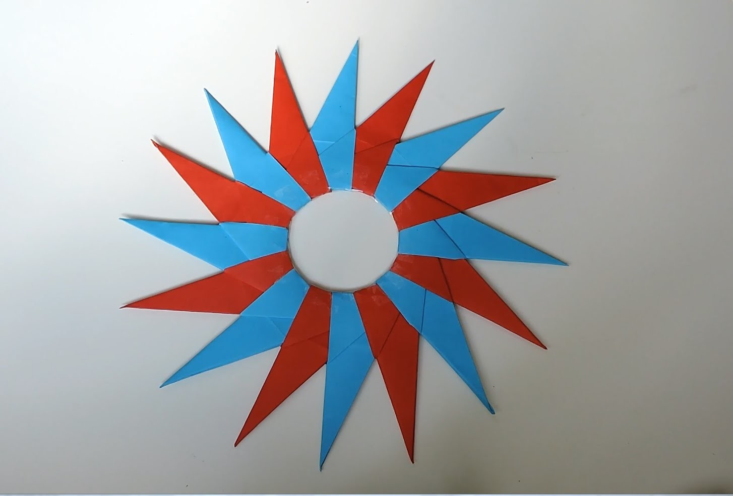 How To Make A 16-Pointed Ninja Star Out Of Paper. (Origami)