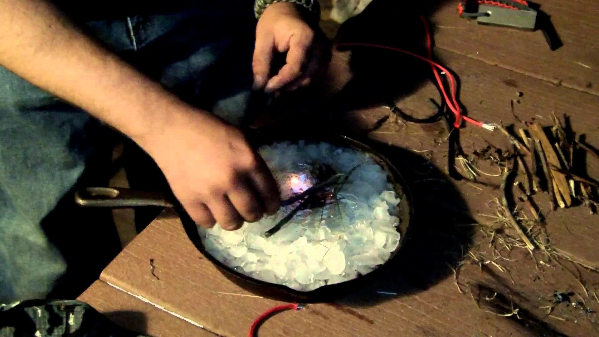 How to use ICE Cord's magnesium firestarter