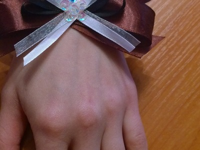 Make a Bright Ribbon Bow Corsage - DIY Style - Guidecentral