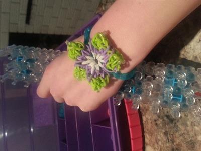 How to Make a Rainbow Loom Hibiscus Bracelet