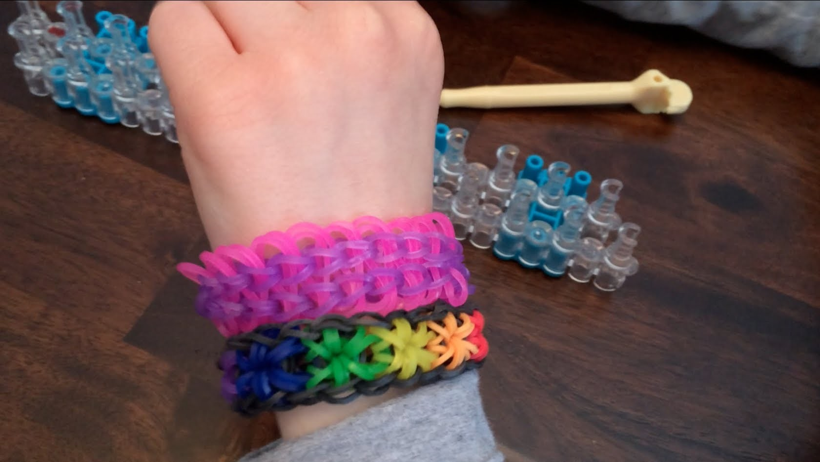 Making the Electricity Wave Bracelet - Rainbow Loom New Style