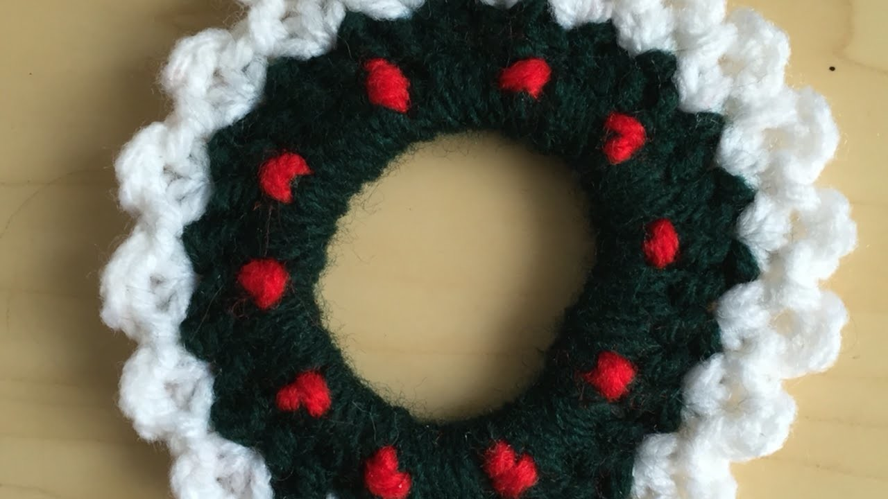 How To Crochet A Christmas Mini Garland - DIY Crafts Tutorial - Guidecentral