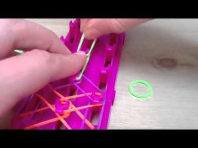 How to make a Cra-Z-Loom. Rainbow Loom Flower Ring