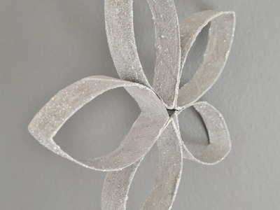 Snowflake DIY, Christmas ornament out of toilet paper rolls