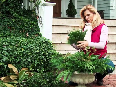 How to Decorate Outdoor Planters for Christmas