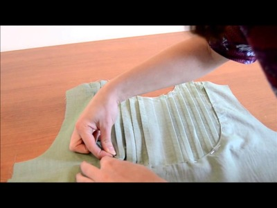 Sewing the front bodice - Carme Sew-Along