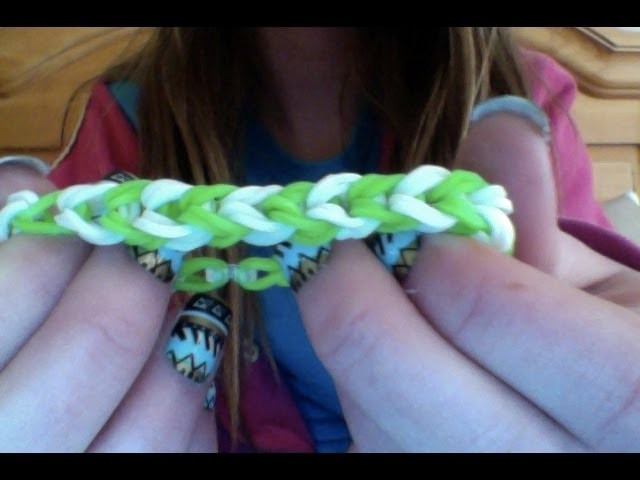 How to make a rainbow loom bracelet with the cap from the starter kit