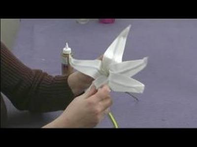 Foam Flower Crafts for Kids : Making Lily Petals for Kids' Crafts
