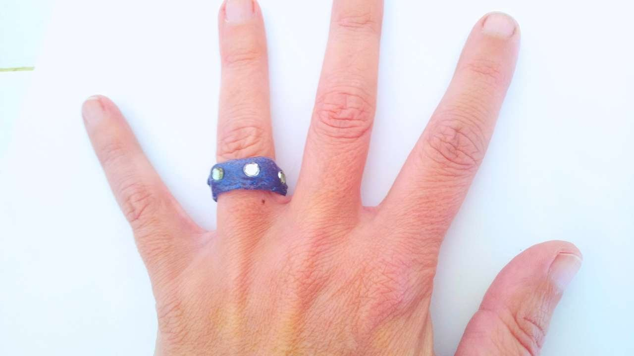 How To Make A Fashion Hot Glue Ring - DIY Style Tutorial - Guidecentral