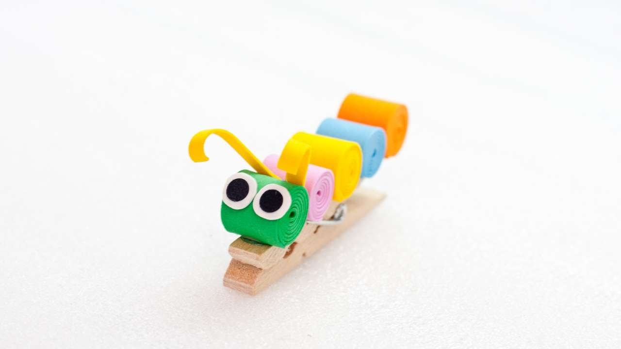 How To Make A Fun And Colorful Clothespin Caterpillar - DIY Crafts Tutorial - Guidecentral