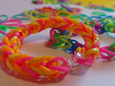 How to Make A Fantastic Fishtail Rainbow Loom Bracelet Tutorial