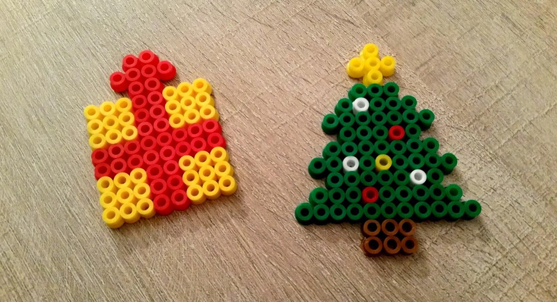 Christmas Hama Beads.Diy Noel Sapin Et Cadeau En Perles Hama Perler Beads