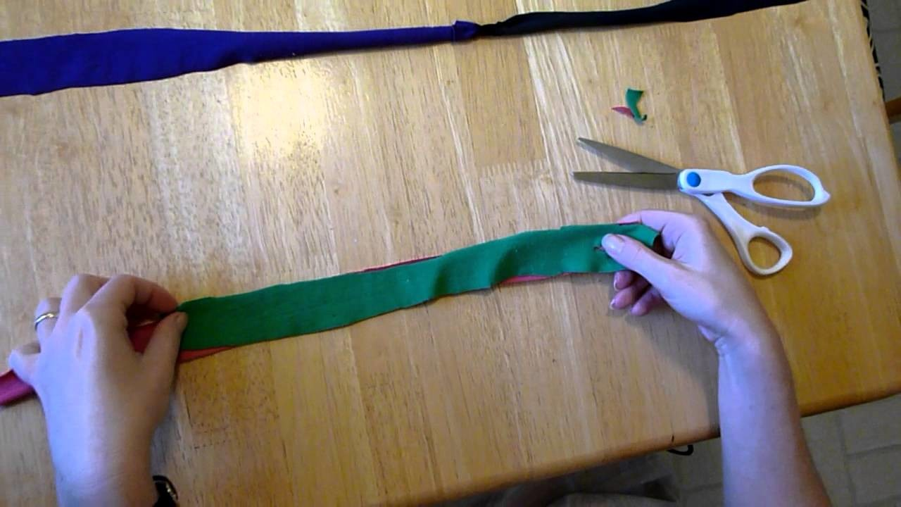 How to connect two strips of fabric without sewing