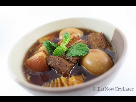 Caramelized pork belly w.eggs(thit kho tau or kaw)