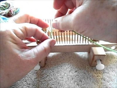 Long tail cast on performed on the EFG 0 Kiss loom