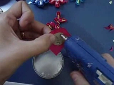 Video  flores de fita. How to make ribbon flowers