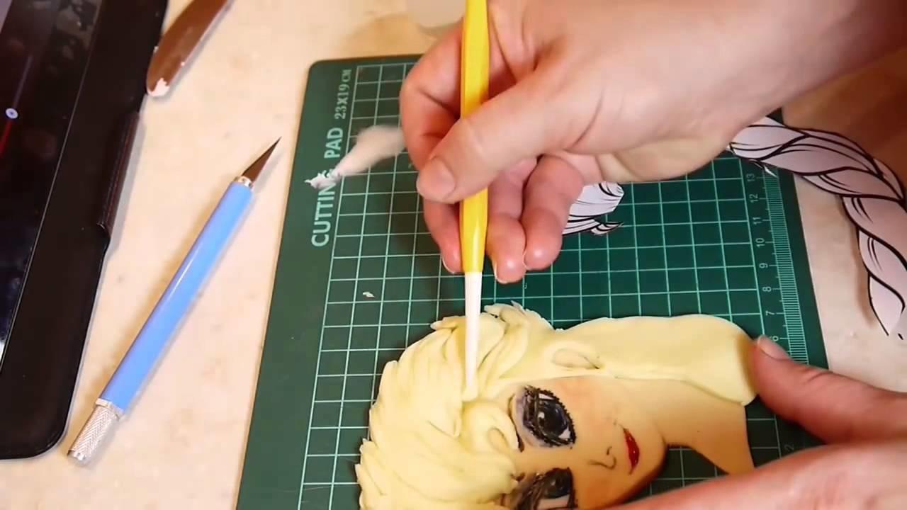 DIY Frozen cake Elsa Torte Tutorial Fondant selber machen Anleitung Eiskonigin Buttercreme