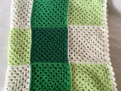 How to crochet a Granny Square - Easy tutorial for a quadrate by BerlinCrochet