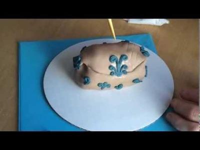 Mini Purse Cakes: How to Make the Brown Handbag