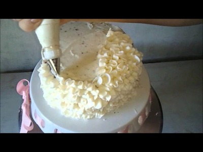 Messy Buttercream Ruffles Decorating Tutorial Video with Captions