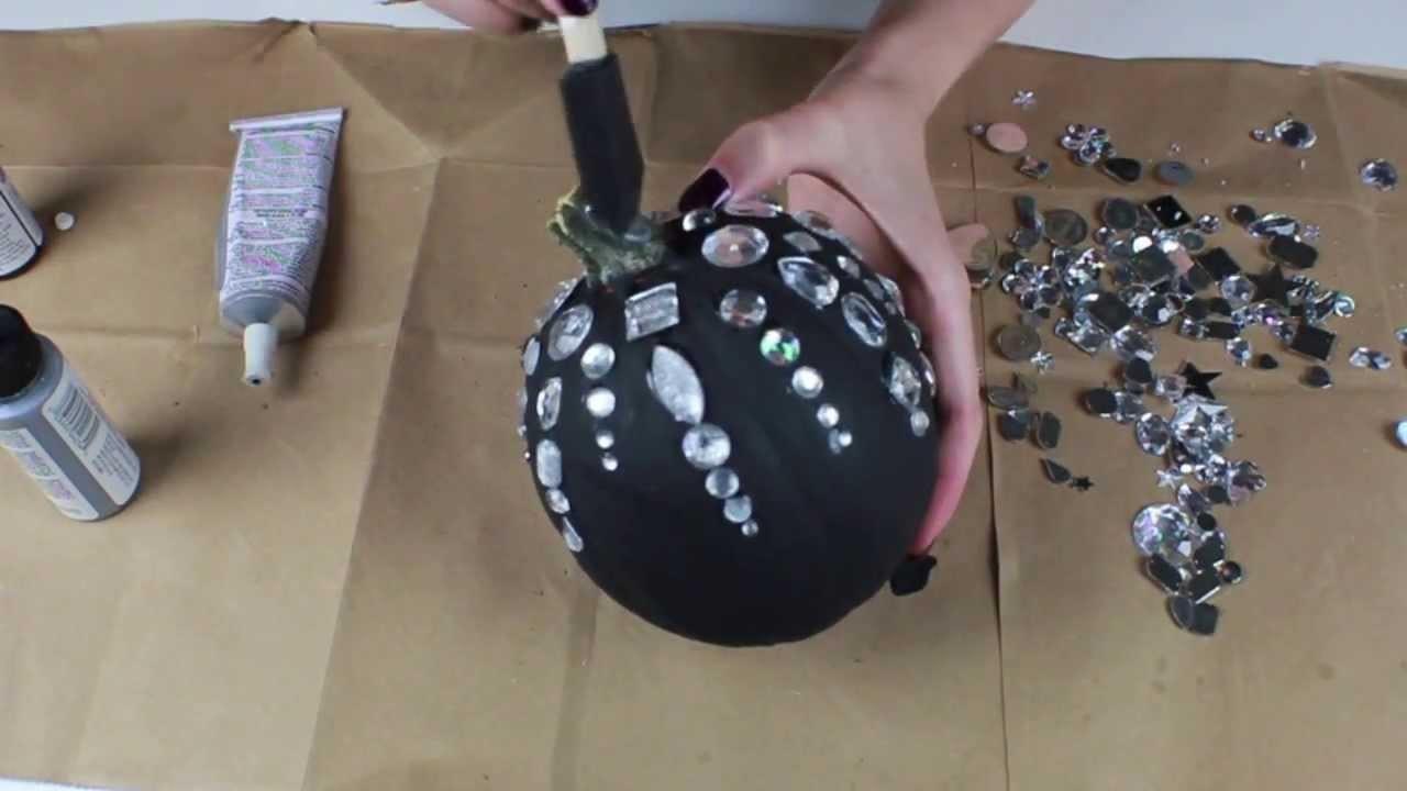 Easy DIY Halloween Decorations - Festive Pumpkins