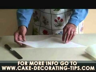 Pat s Cake Decorating Tips   How to make an icing bag