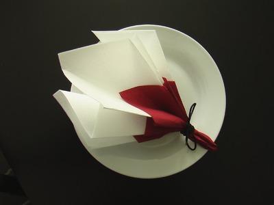 Pliage serviette décoration table bouquet de printemps